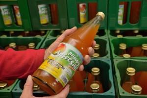 In jeder Flasche Bliesgau Apfelsaft stecken durchschnittlich 1,8 kg Äpfel von Streuobstwiesen aus dem Biosphärenreservat Bliesgau und den angrenzenden Gemeinden. Bildautor: Biosphärenzweckverband Bliesgau - Foto: Thomas Stephan