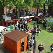 Der frühlingshafte Festungshof bietet einen Regionalmarkt mit buntem Kultur- und Aktionsprogramm - Foto: Archiv BRA Schaalsee-Elbe